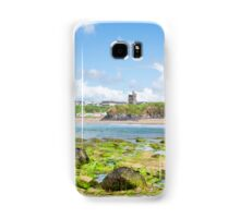 seaweed covered rocks with castle and beach Samsung Galaxy Case/Skin