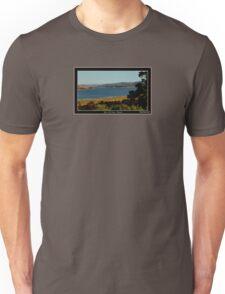 *THE'TAMAR RIVER+LAUNCESTON* Unisex T-Shirt