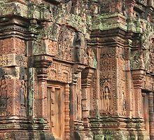 Temple in Pink, Banteay Srey by shoelock