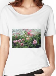Pink gentle roses in the garden Women's Relaxed Fit T-Shirt