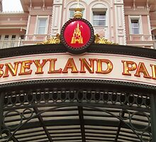 Disneyland Paris- Welcome by Margybear