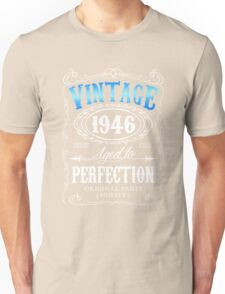 70th birthday gift for men Vintage 1946 aged to perfection 70 birthday Unisex T-Shirt