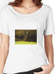 The leaning tree Women's Relaxed Fit T-Shirt