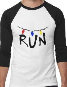 STRANGER THINGS - CHRISTMAS LIGHTS - RUN! Men's Baseball ¾ T-Shirt