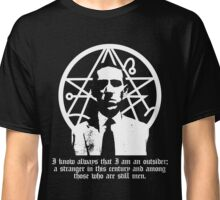 The Outsider (H.P. Lovecraft) Classic T-Shirt