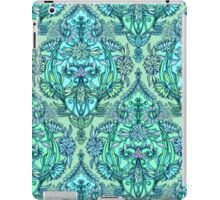 Botanical Moroccan Doodle Pattern in Mint Green, Lilac & Aqua iPad Case/Skin