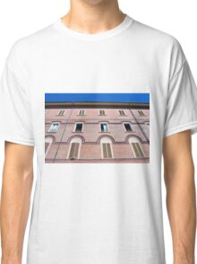 Classical building facade in pink shades Classic T-Shirt