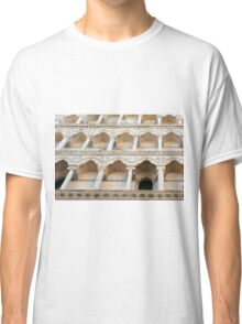 Decorative facade with columns, arches and portico. Classic T-Shirt