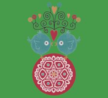 curly whirly lovebirds with heart flowers Kids Tee