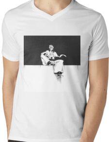 Grimmjow Black & White  Mens V-Neck T-Shirt