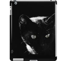 Chat noir dans l'ombre iPad Case/Skin