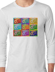 Camera Pop Art Retro Graphic Camera Photographer Design Long Sleeve T-Shirt