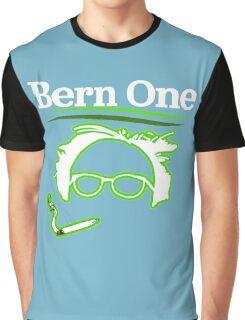 BERN ONE!! SMOKE 4 BERNIE - 2016! 410 BERNIE SANDERS Graphic T-Shirt