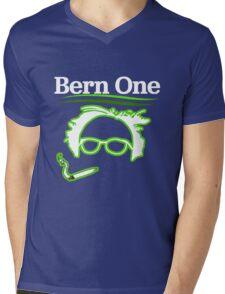 BERN ONE!! SMOKE 4 BERNIE - 2016! 410 BERNIE SANDERS Mens V-Neck T-Shirt