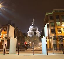 St. Paul's, London, England by Justin Mitchell