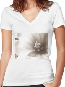 Close up Flower Women's Fitted V-Neck T-Shirt