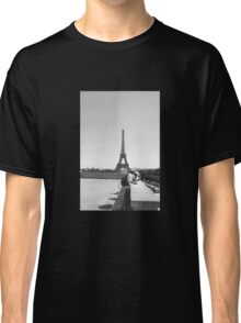 Eiffel Tower. Paris. France. Tourists. Graphic. Photography ® Classic T-Shirt