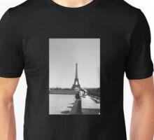 Eiffel Tower. Paris. France. Tourists. Graphic. Photography ® Unisex T-Shirt