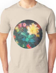 VINTAGE FLOWERS INDIA Unisex T-Shirt