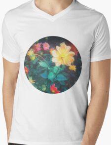 VINTAGE FLOWERS Mens V-Neck T-Shirt