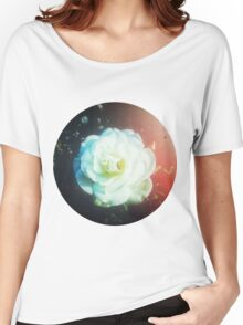 VINTAGE WHITE FLOWER Women's Relaxed Fit T-Shirt