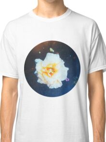 VINTAGE WHITE FLOWER INDIA Classic T-Shirt