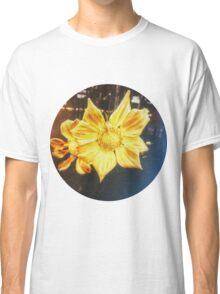 VINTAGE GOLD FLOWER Classic T-Shirt