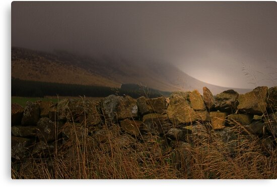 THE MIST ON THE HILLS  by leonie7