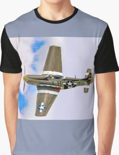 """P-51D Mustang 45-15118 G-MSTG """"Janie"""" banking Graphic T-Shirt"""