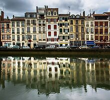 Reflections of Bayonne by MarioGuti