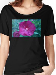 .Trumpet Flowers. Women's Relaxed Fit T-Shirt