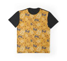 Autumn leafs and acorns Graphic T-Shirt