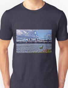 Montreal skyline Unisex T-Shirt