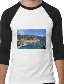 6 August 2016 Natural scenery with sea and yachts from Portofino vacation resort, an Italian fishing village, Genoa province, Italy. Men's Baseball ¾ T-Shirt