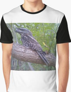 Owl in tree Graphic T-Shirt