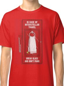 "Hitchhiker's Guide ""Remember Your Towel"" Classic T-Shirt"