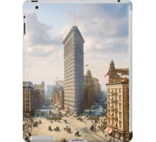 Flat Iron in New York City, ca 1903 colorized iPad Case/Skin