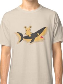 help me, the shark is crazy Classic T-Shirt