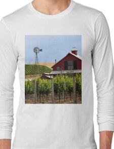 Red Barn In Sonoma Valley Long Sleeve T-Shirt