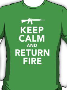 Funny 'Keep Calm and Return Fire' Machine Gun T-Shirt T-Shirt