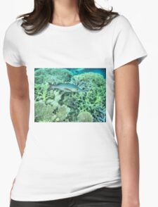 Fish roaming the reef Womens Fitted T-Shirt
