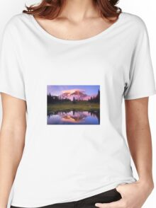 A REFLECTION OF MT. RAINIER IN THE WATER Women's Relaxed Fit T-Shirt