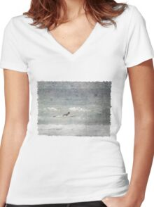 Waiting for Waves Women's Fitted V-Neck T-Shirt