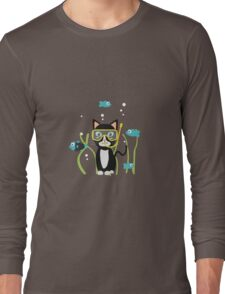Underwater diving cat with fish Long Sleeve T-Shirt