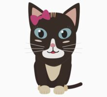 Cute cat with bow   Kids Tee