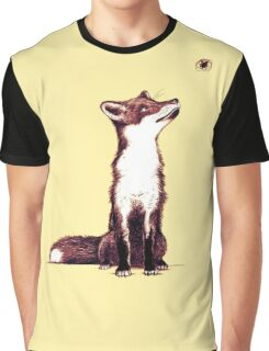 Brown fox looks at thing Graphic T-Shirt