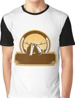 Growler Clothesline Picket Fence Circle Woodcut Graphic T-Shirt