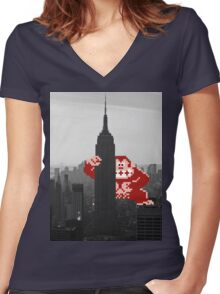 Donkey kong, NY Empire State building Women's Fitted V-Neck T-Shirt