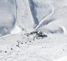 Saddle Chairlift at Treble Cone by Charles Kosina