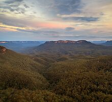 Dusk over Mount Solitary by Silken Photography